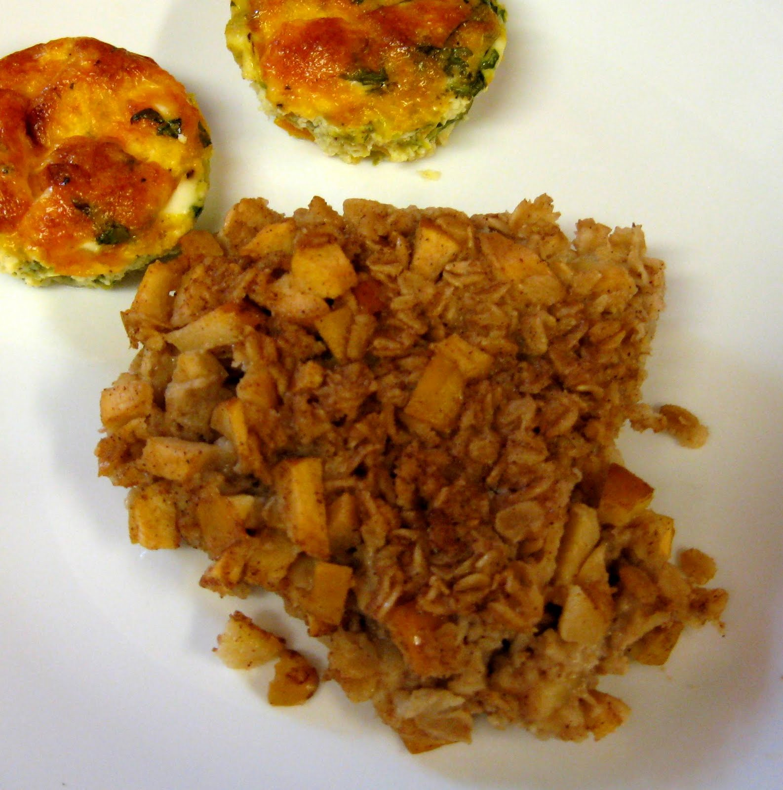 Debbi Does Dinner... Healthy & Low Calorie: Apple Baked Oatmeal