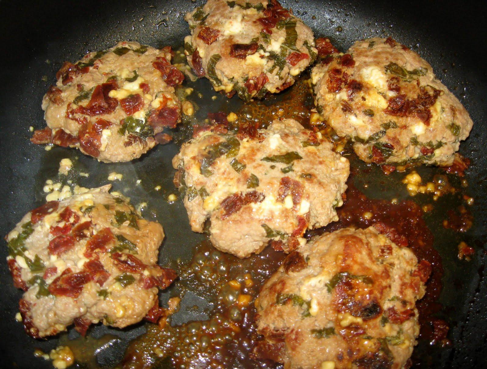 ... Healthy & Low Calorie: Sun Dried Tomato, Basil, Feta Cheese Burgers