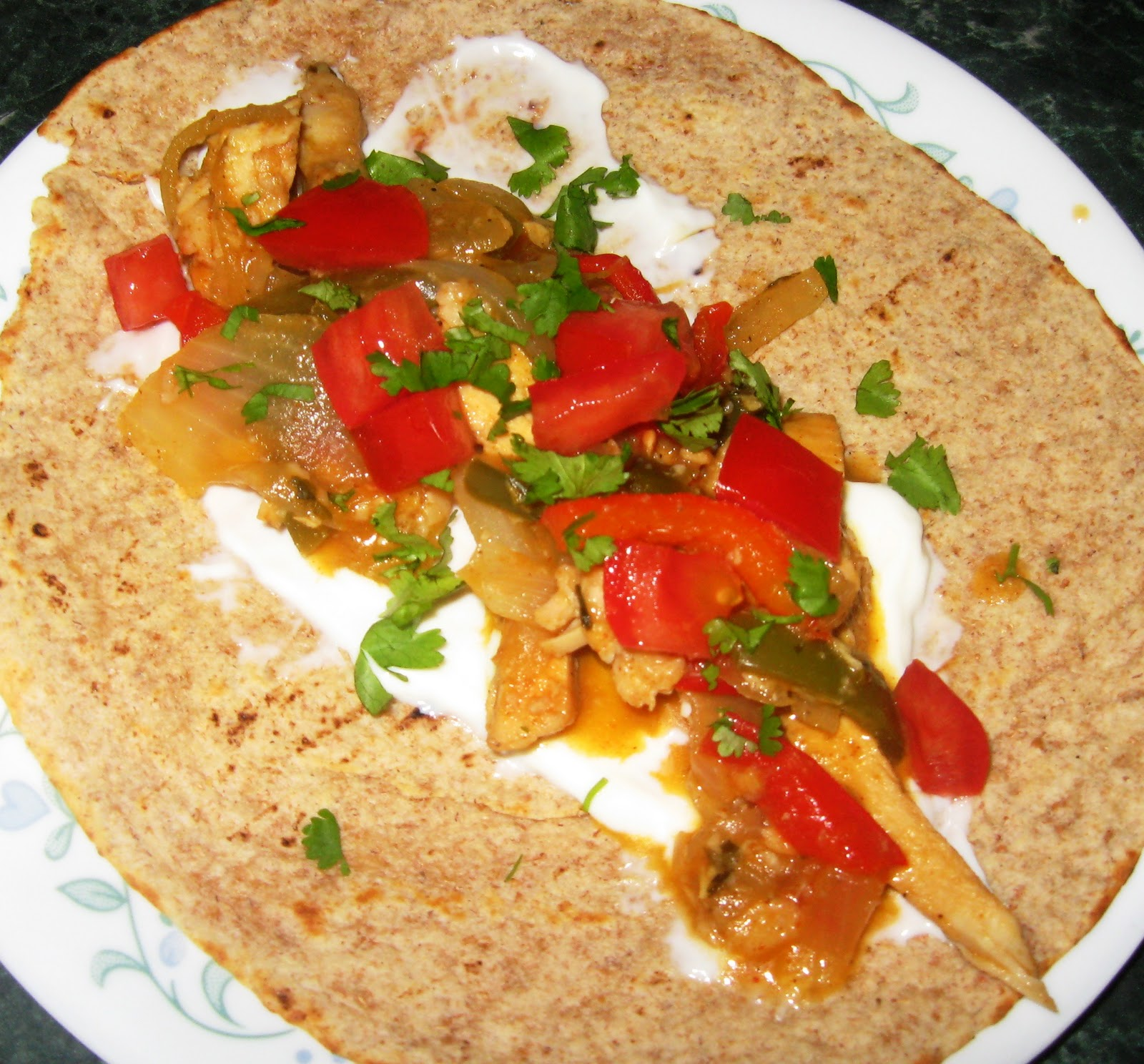 Debbi Does Dinner... Healthy & Low Calorie: Tangy Chicken Fajitas
