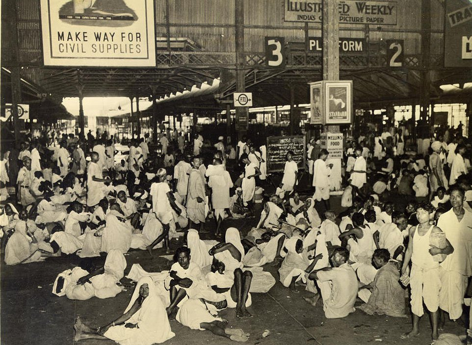 Calcutta Railway Station 1945