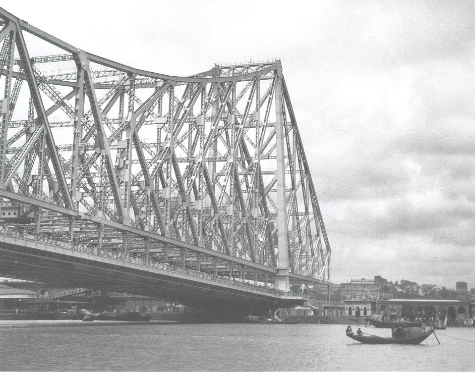 [Howrah+Bridge+from+Howrah+Station+side+of+the+river+Calcutta+(Kolkata)+1944.jpg]
