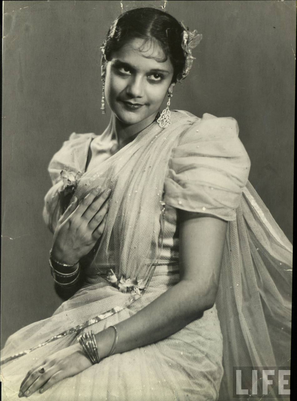 Vintage Photograph of an India Lady in Saree