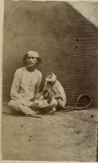c.1880%2527s+PHOTO+INDIA+BENGAL+MAN+WITH+MONKEY