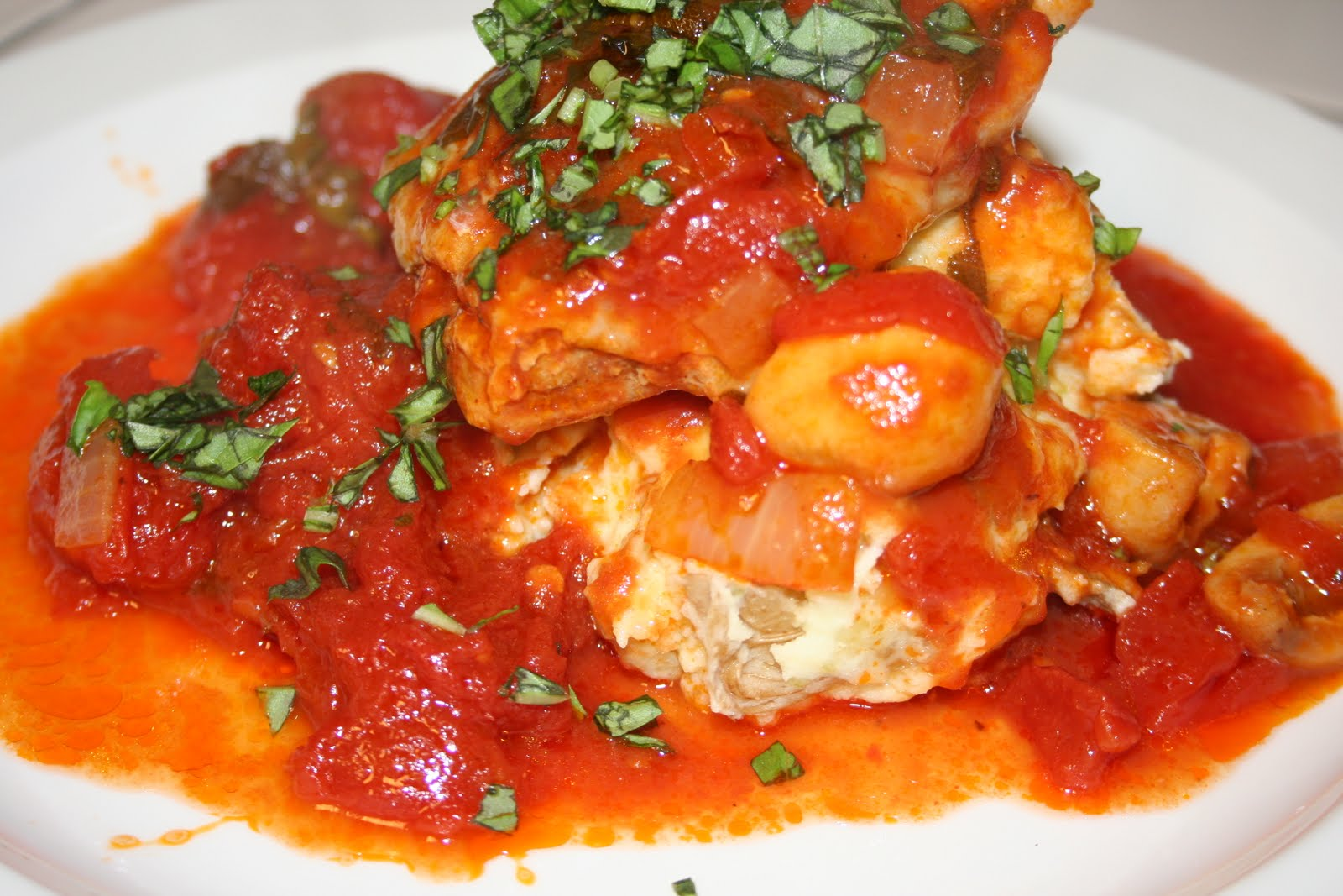 Braised Chicken with Tomatoes and Garlic