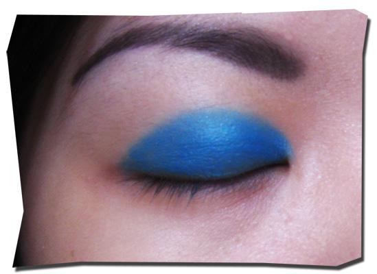 turquoise blue eyes