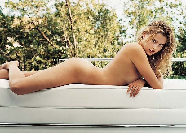 Estella Warren desnuda - Fotos y Vídeos -