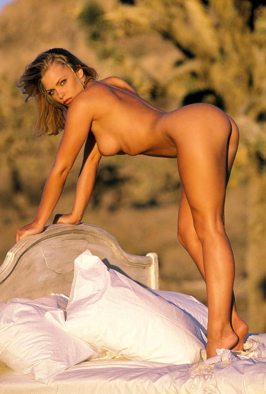 Jaime%252BPressly%252Bnude%252Bnaked%252Bplayboy%252B03 Lingerie Sexy Blanche pour Roxanne Pallett