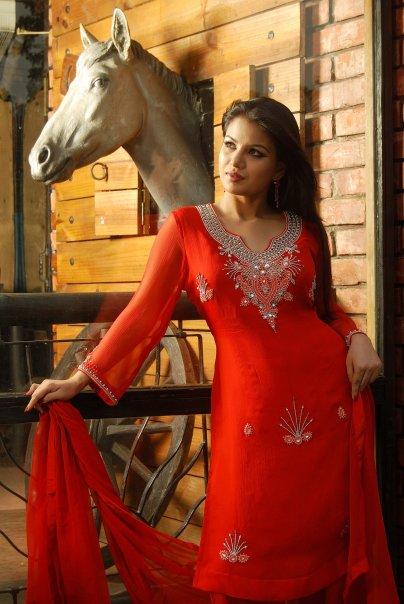 http://4.bp.blogspot.com/_pIX93N2kKqc/SwWYaITgffI/AAAAAAAAAg0/LeHEQebbm08/s1600/Farhana+Nisho.jpg
