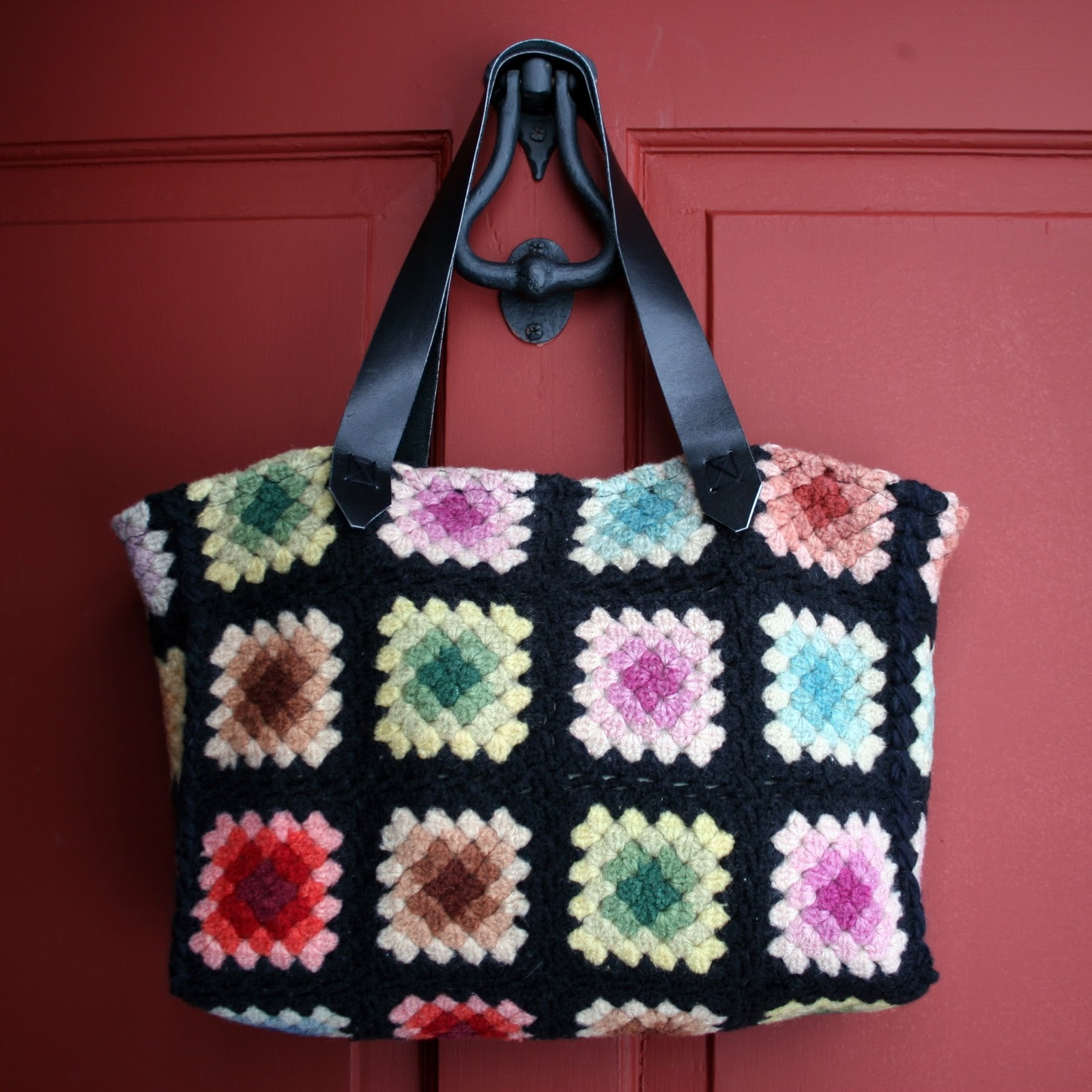 Granny Square Tote Bag : RagingWool: Granny Square tote bag is done!