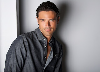 John Gidding Chris Lok http://craftygeordi.blogspot.com/2010/12/my-boyfriend-is-so-awesome.html