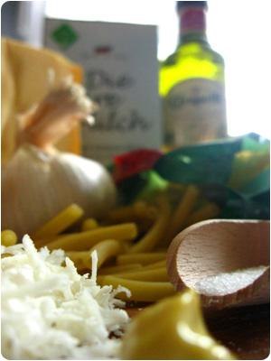 Macaroni and Cheese, Mac n Cheese, Makkaroniauflauf, Zutaten, Käse, Olivenöl, Rezept, Selbermachen, Video