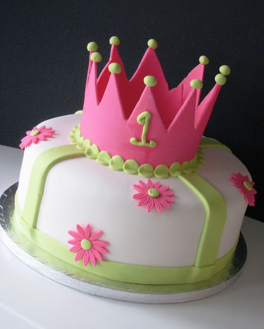 Princess Cake Designs Little Girl : Heavenly Bites Cakes: Princess 1st Birthday