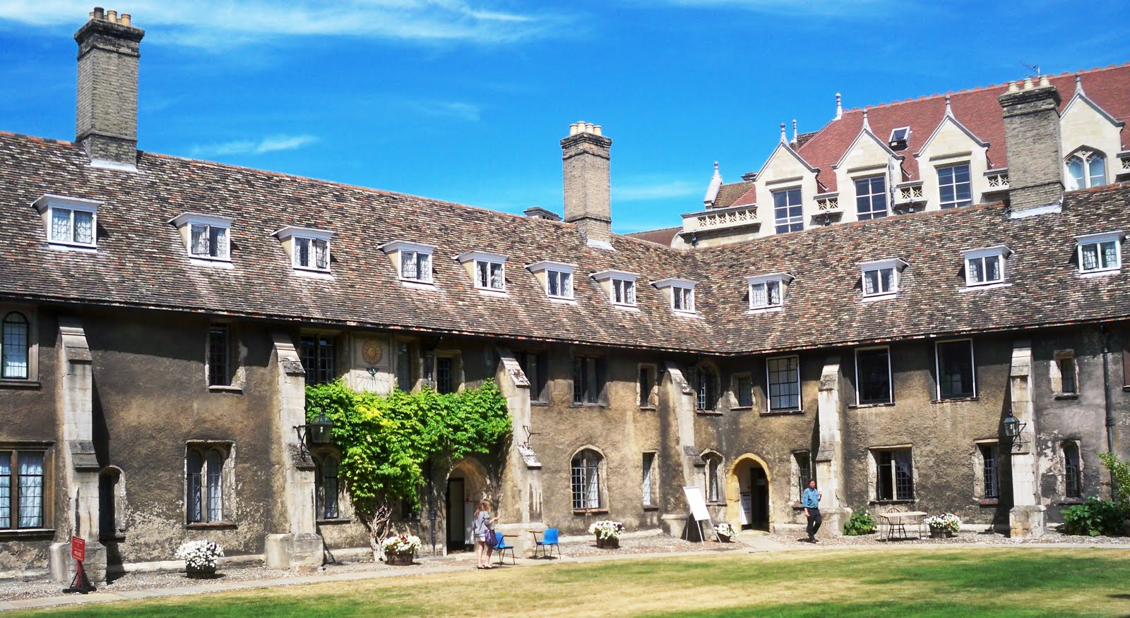 corpus christi college philosophy essay competition Established in 2006, the lloyd davies philosophy prize is an essay competition open to students in year 12 or the lower 6th the first prize is £250, and there may also be a second prize of £150.
