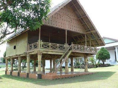 Download this Rumah Adat Suku Rejang picture