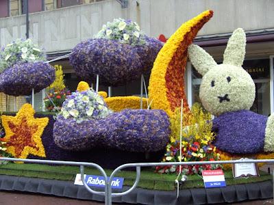 Parada kwiatów w Holandii Bloemencorso Bollenstreek