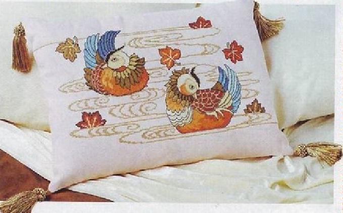 утки мандаринки - символ любви.