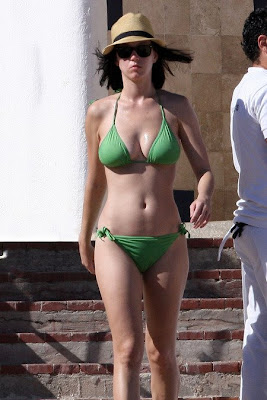 katy perry bikini ... isn't brutal enough, now I have to do it with my tween age daughter.