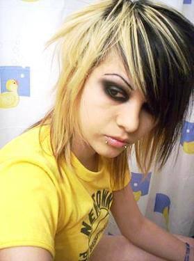 Comment: Emo coupes de cheveux des filles Step-by-Step