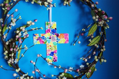 Craft Ideas for Making Crosses http://catholicicing.com/easter-cross-crafts-for-kids/
