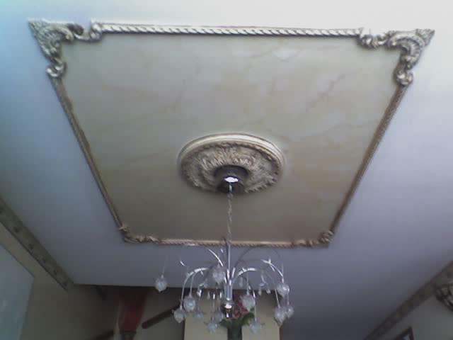 decoracion de cornisa y recuadro en oleo del comedor