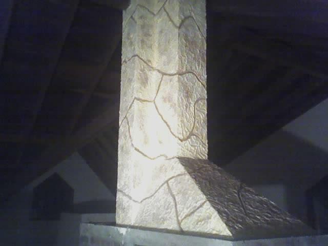 decoracion de chimenea rustica en altillo