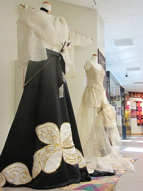 Philippine Costume of Maria Clara http://www.huesofarainbow.blogspot.com/