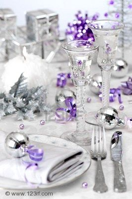 Gypsy purple christmas find inspiring christmas tables - Is purple a christmas color ...