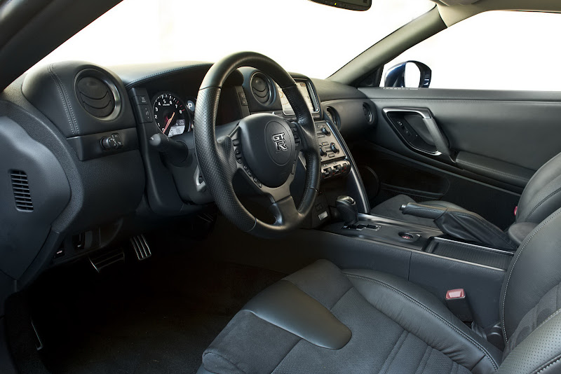 2012 Nissan GT-R Black Edition Interior Design