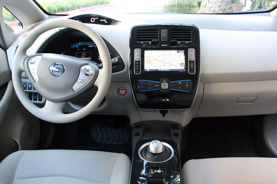 2011 Nissan Leaf Interior Design