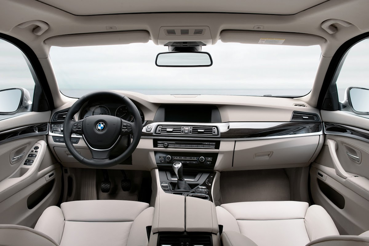 BMW 520d Touring SE Dashboard Design