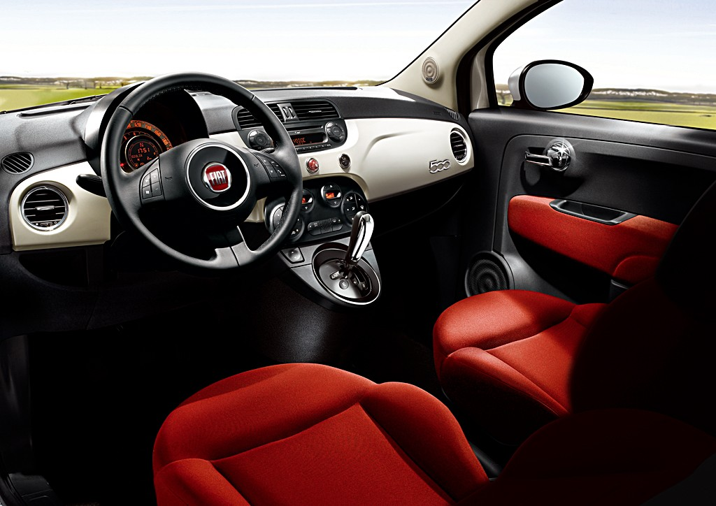 Interior Pictures of Fiat 500 TwinAir
