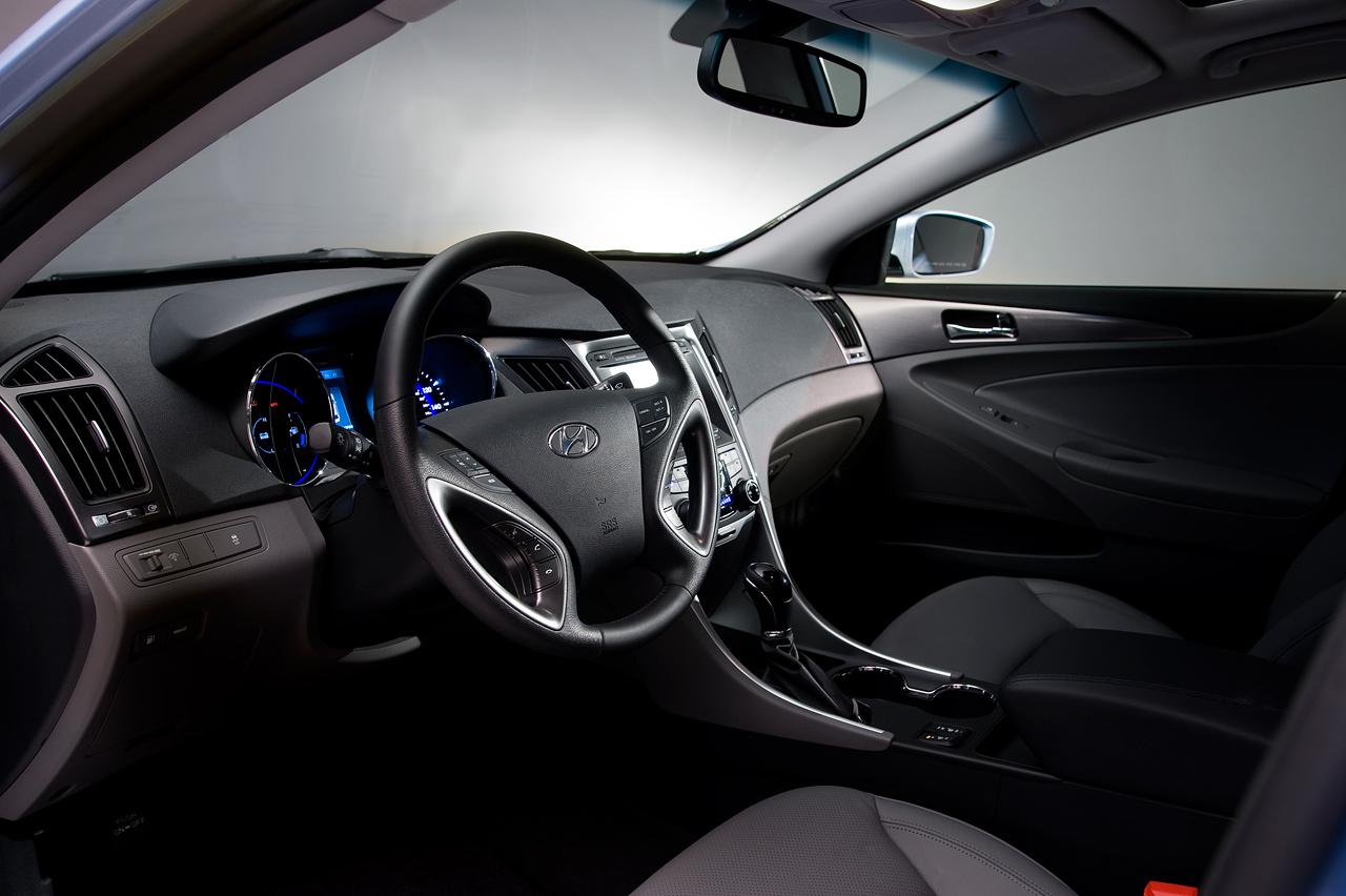 2011 Hyundai Sonata Hybrid Interior
