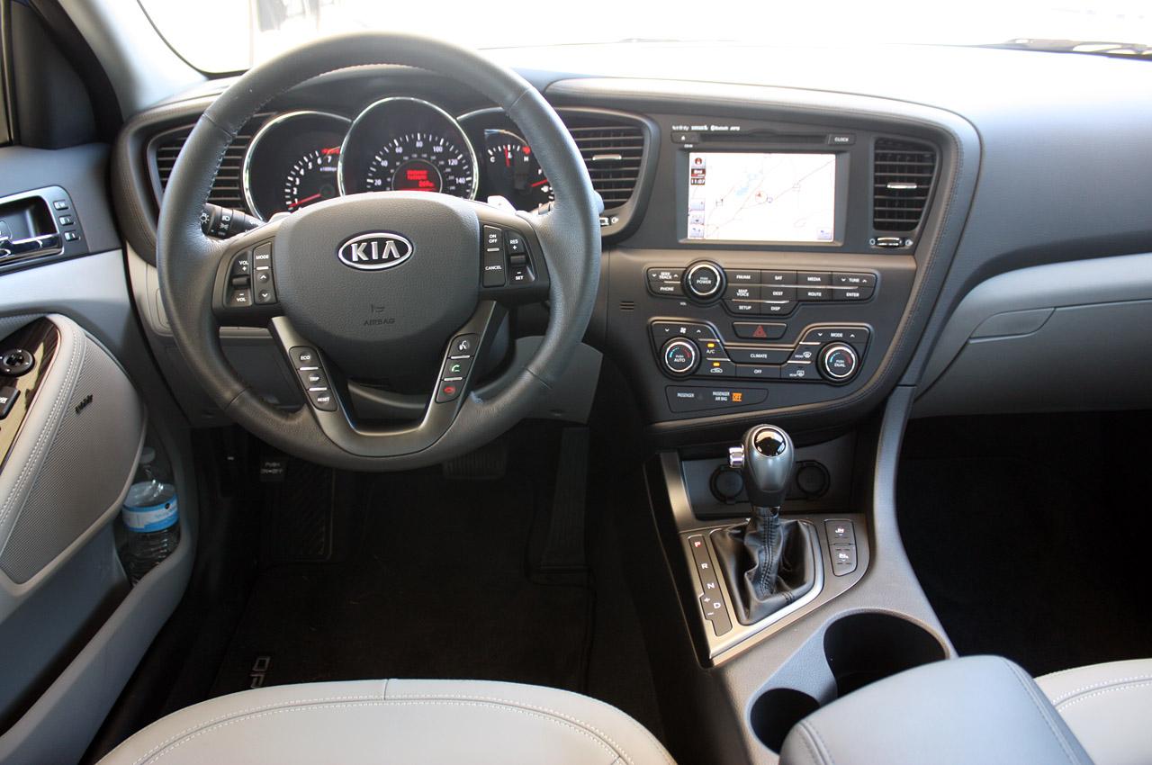 2011 Kia Optima Dashboard