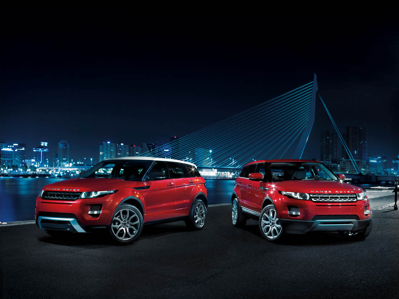 Range Rover Evoque Couple