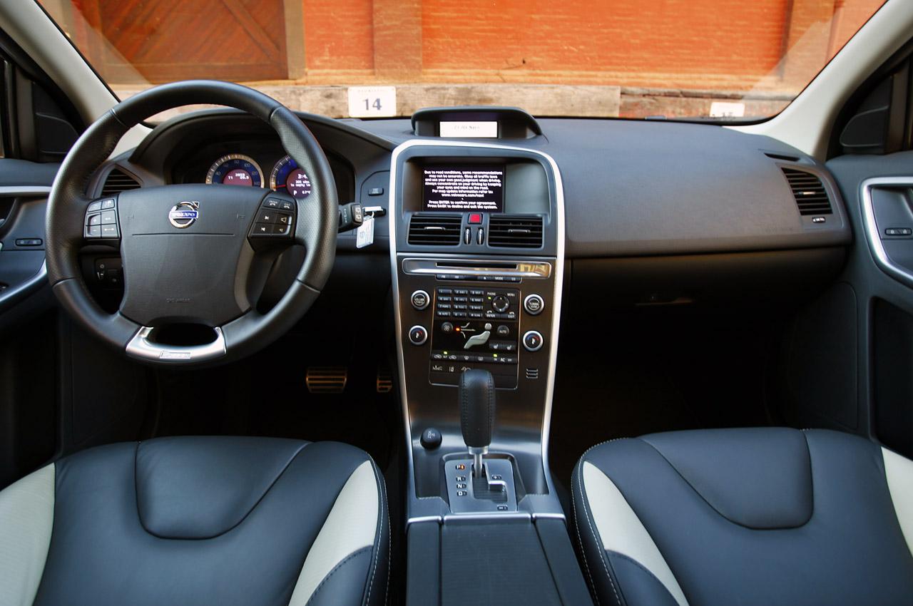 2011 Volvo XC60 R-Design