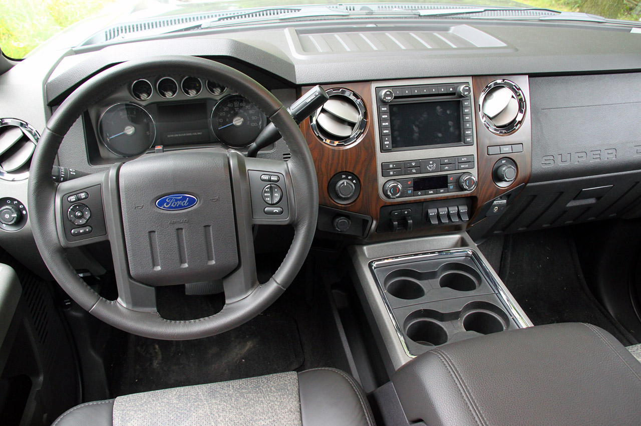 2013 FORD F-450 SUPER TRUCK LARIAT ENGINE DESIGN