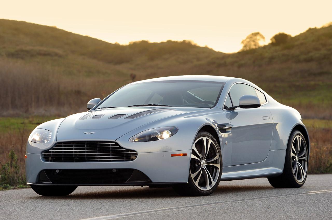 2011 Aston Martin V12 Vantage Design