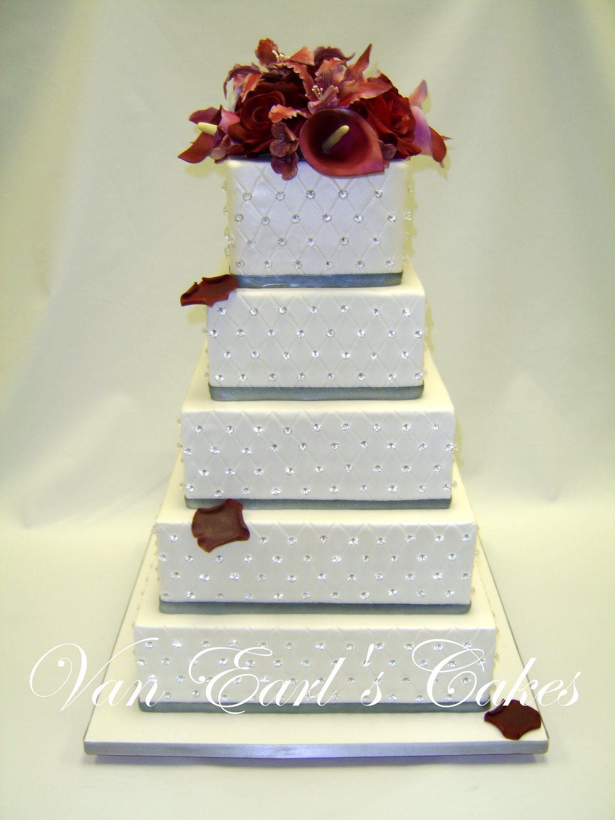 Van Earl s Cakes Crystal Wedding Cake
