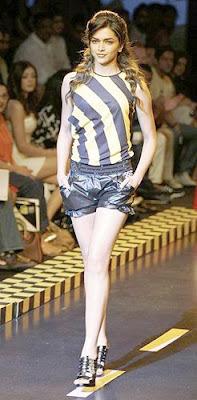Deepika Padukone Lakme Fashion Week