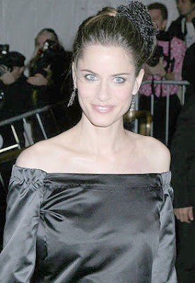 Amanda Peet Poiret - King of Fashion