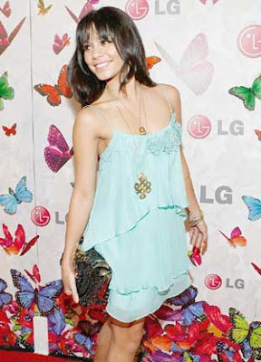 Vanessa Hudgens LG Rumorous Night Photos