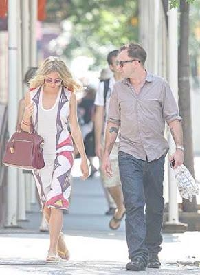 Sienna Miller and Jonny Lee Miller