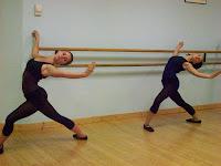 Ecole de danse dominique jean et camille vigier en cours for Cours danse classique barre