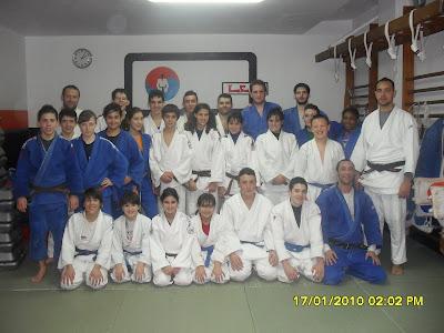 Judo portal entrenamiento lee portal for Gimnasio lee