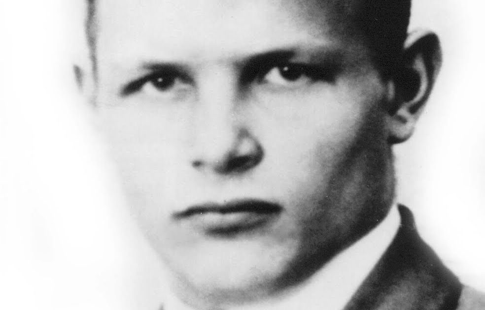 the biography of dietrich bonhoeffer (rns) a new biography is raising questions about the life and relationships of  dietrich bonhoeffer, an anti-nazi dissident whose theological.