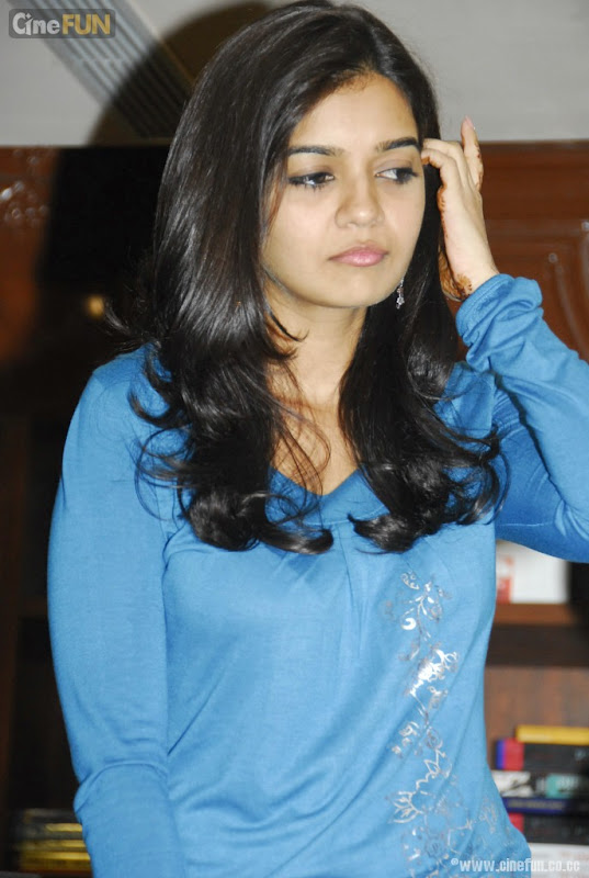 Swathi at if You Love Some One Book Launch Stills cleavage