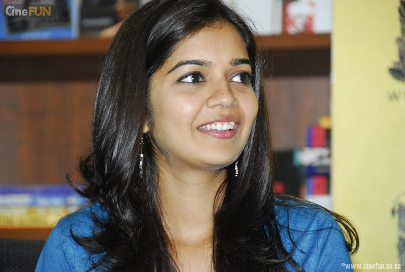 Swathi at if You Love Some One Book Launch Stills hot photos
