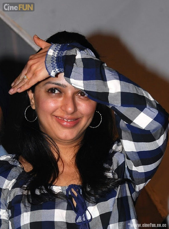 Bhumika Chawla Latest Stills Photoshoot images