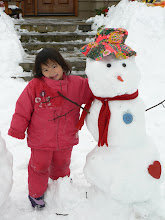 Kayla makes an Anya snowman