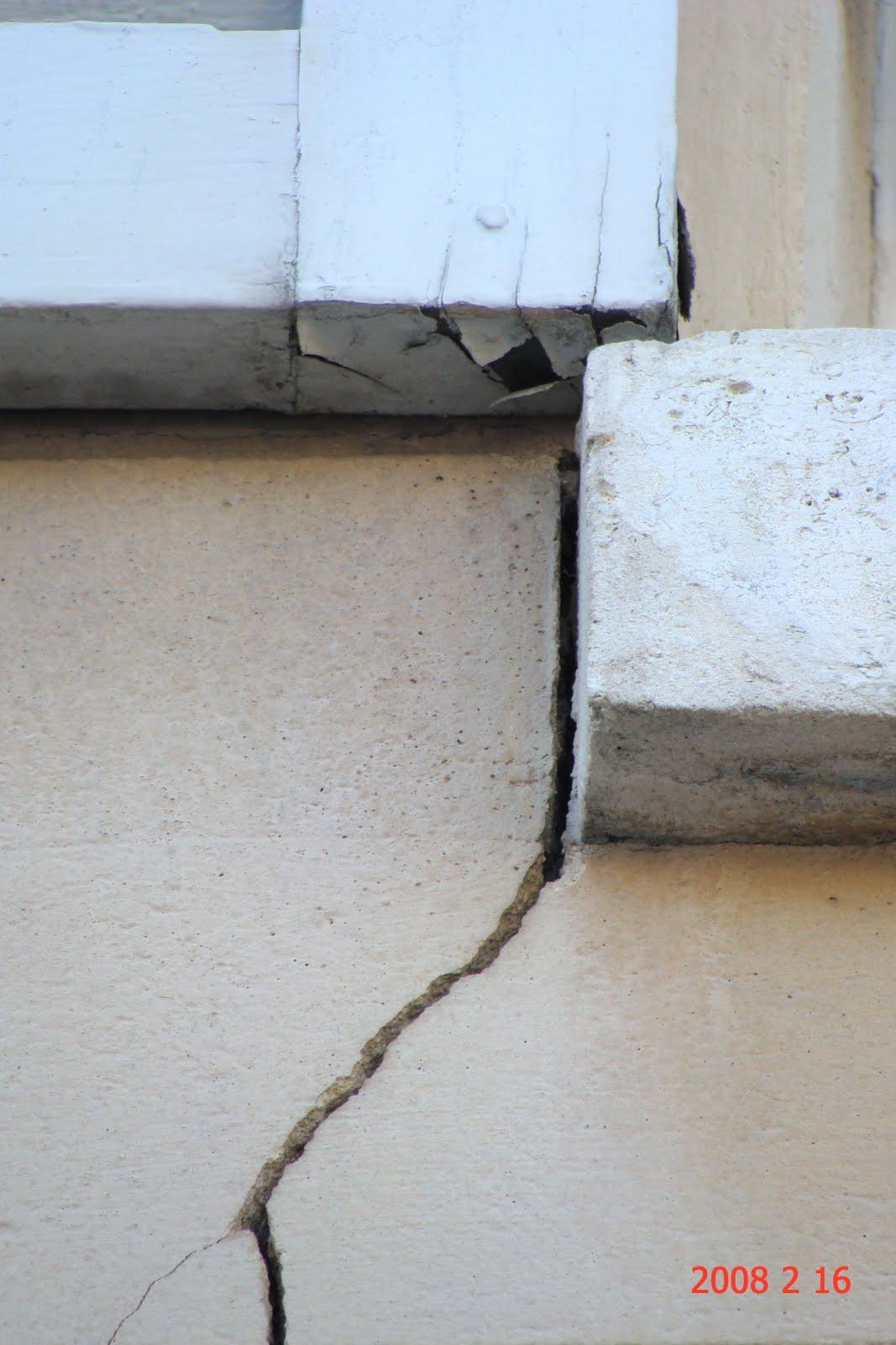 association debange houdon effets destructeurs d 39 un ralentisseur sur une maison du secteur. Black Bedroom Furniture Sets. Home Design Ideas